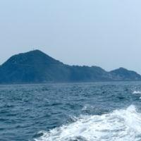 神島を一周