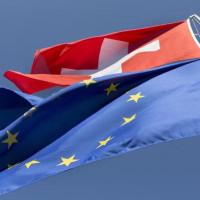 スイスと東ティモールが国連に加盟。