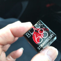 チロル「BLACK STRAWBERRY」を食べてみました。