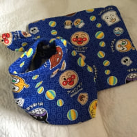 赤ちゃんのエプロンと枕を作る