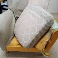 張替作業の前段階 家具メーカー コスガの張替