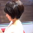 2/4・アキの「ショートスタイルなら、毛先のケアは頭皮のついででOK」