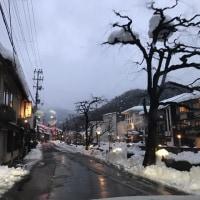 日本海側 大雪の報道ですが・・・・・?  2月12日 雪に埋まった香住駅