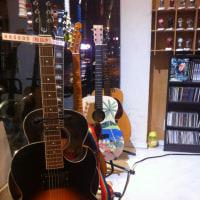 2016年も残りわずか!ジッとせずに新しいことにチャレンジしよう!!当店「JB's」では「弾けない場合は全額返金」という「ギタースクール」をスタートさせております!!
