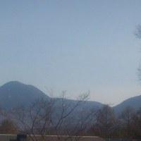 蓼科山荘より 5月初日の蓼科山と、蓼科山周辺の状況