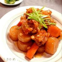 sakurakoさんの我が家の定番、出汁要らず水無しで、大根と手羽元の煮物(^-^)
