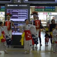 さんさ踊り:盛岡駅