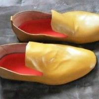 豚の床革で作った靴