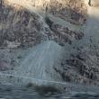 険しい山に道を拓く