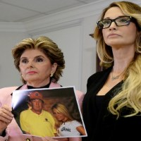 トランプに「US$1万で部屋に誘われた」 新たに女優が起訴!