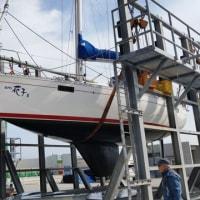 シーズン開始船底掃除とメンテナンス2艇綺麗になりました。