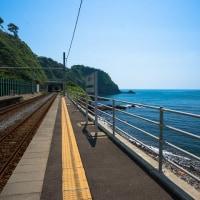 夏の海と列車の記憶  鉄写同好会
