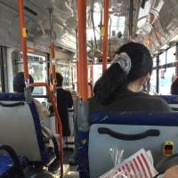 バスに乗り換え家に帰ります。