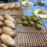 胚芽パンと抹茶スコーンレッスンと苺のカンパーニュ