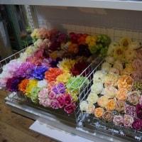 造花のココーフラワー横浜  花束、ブーケピックなどの店内写真