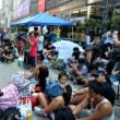 <香港>警察とデモ隊衝突 デモ参加者を次々拘束