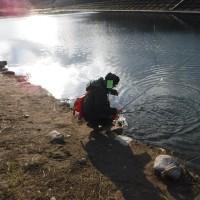 雪の降る月見ヶ原管理釣り場でフライフィッシング