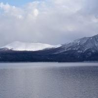 朝日と支笏湖