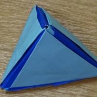 ◎本日の折り紙(テトラパック)