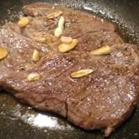 ニンニクがっつり!厚切りステーキ