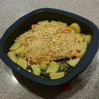 カリカリナッツとレモンのサーモングリルと梅の黒煮