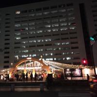 天神でも市役所前広場でクリスマスイベントがあってます。