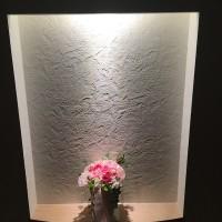 玄関ニッチの花を交換