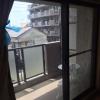 窓の結露対策 結露ミラーは、中間色のみ!普通の遮熱フィルムとは別の種類のフィルムです