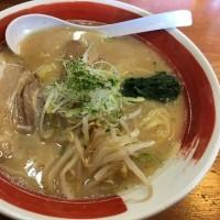 麺家山形めんこいや(2)の豚しょうゆ白湯780円(*^▽^)ノ♪