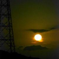 今夜の月の出を撮影