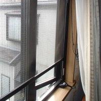 ハウスメーカー特注の明治ジャロジーの3連外開きのオペレーターハンドルの修理