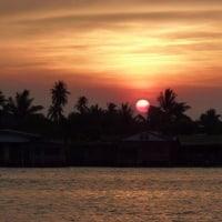メークロン川の夕日をアップで見た