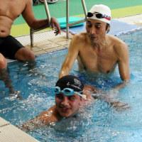 ネパールの水泳選手 東京パラ目指し神戸で合宿