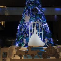 二子玉川ライズ S.C. クリスマスツリー はシンデレラがテーマ