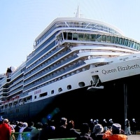 クイーン・エリザベス号高知新港入港と出航(2017年3月19日)
