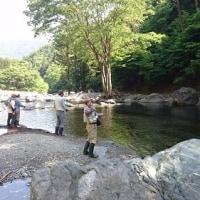 真夏の陽気の鹿留でフライフィッシング教室(2017/5/21)