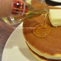 森ノ珈琲店で「森の特製ホットケーキ」とランチ