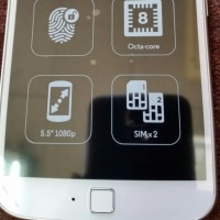 デュアルSIMスマートフォン