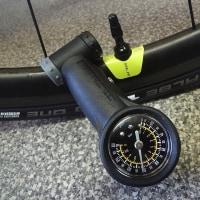 タイヤの空気圧を下げたらヒルクライムで速くなった(゚д゚)