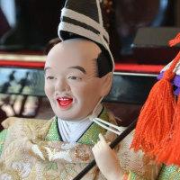 幸せをもたらすひな人形