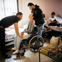"""シリア  化学兵器使用の""""非人道性""""批判強調が、内戦からの出口を遠ざける懸念"""