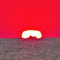 今朝の達磨太陽(朝陽)と大山さん