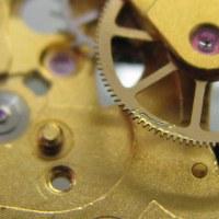 スイス製の自動巻き時計を修理です