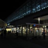 夜の富山駅前
