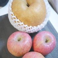 りんごと大きな梨と白菜鍋でごはん