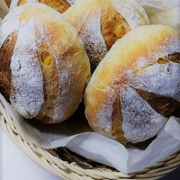 コーンとごまのパン