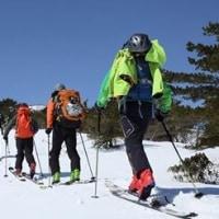 半日体験、薬師岳登山、バックカントリースキー と 1日コース、雪の安達太良山登山、バックカントリースキー のご案内!