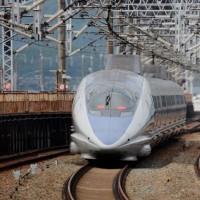 10月16日500系団体専用列車の本線通過