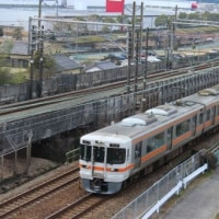 エコパ近くで新幹線と並行する東海道本線