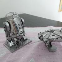 R2-D2、ミレニアムファルコン